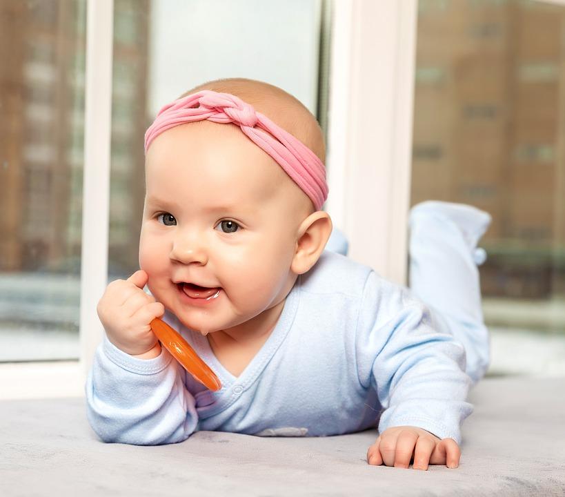 Baby van drie tot negen maanden