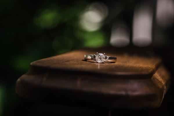 shoppen voor een verlovingsring