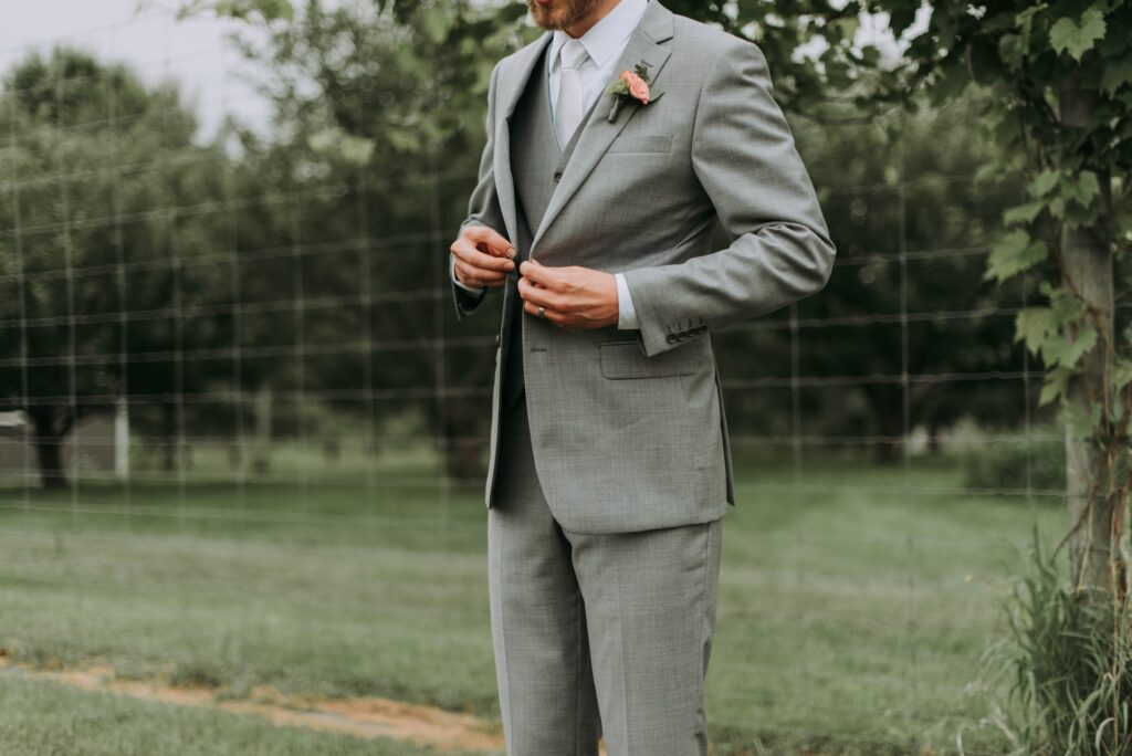 Deze trouwkostuums maken je bruiloft helemaal af